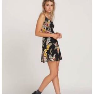 VOLCOM Slushy Hour Dress Size Small